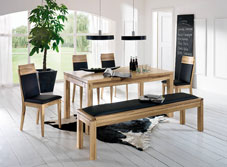 Tisch- und Eckbankgruppen mit Beimöbel